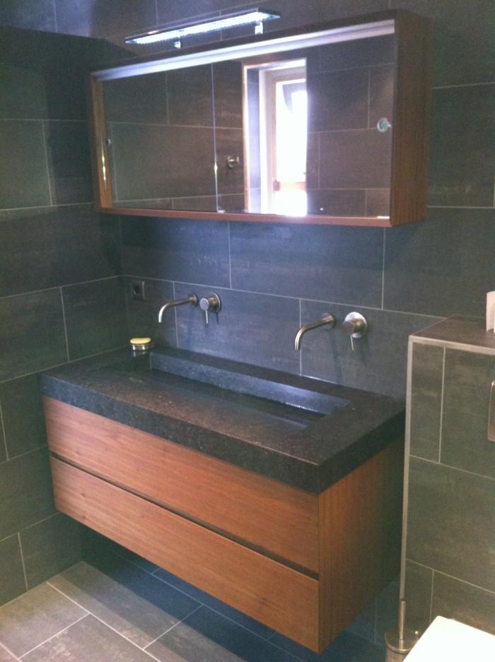 Badkamer - Mooie eigentijdse badkamer ...